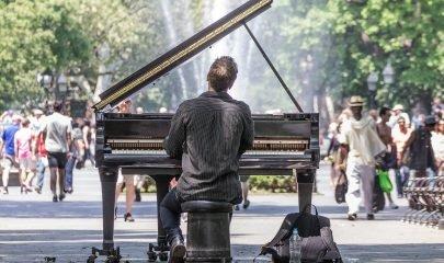 Tocas Piano Calle 3